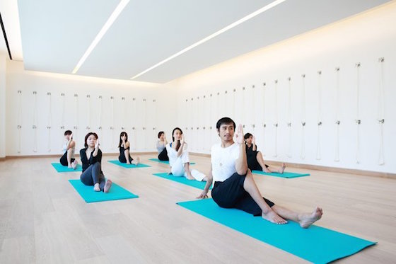 uniq luxe COMO singapore massage sitting yoga retreat resort wellness detox luxury holiday pilates