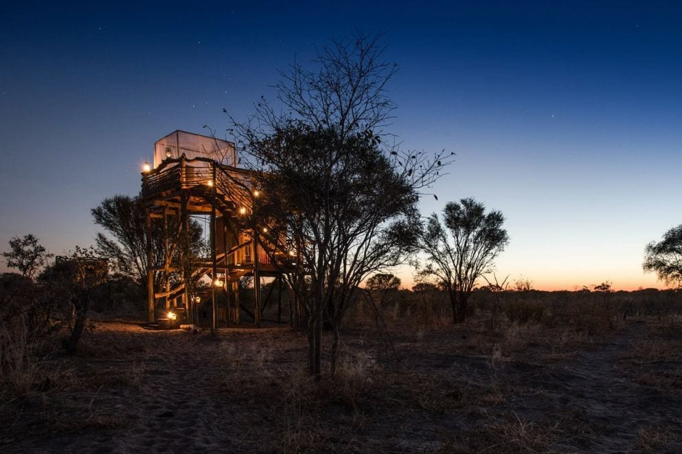 A luxury accommodation where you can sleep under the stars in the middle of the African savannah!