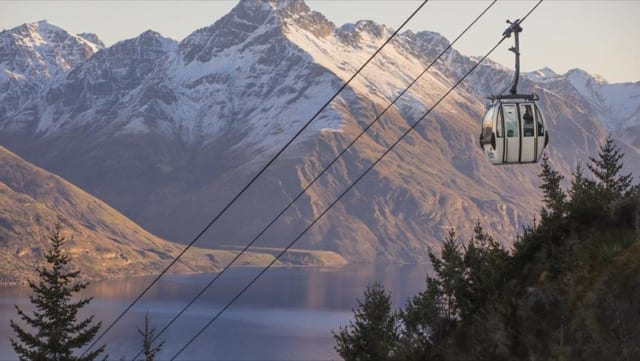 Enjoy amazing panoramic view of the mountains looming over Queenstown, a great addition to an adventurous escapade in New Zealand!