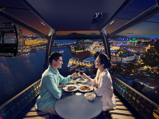 An intimate evening awaits in Singapore's skies when you wine and dine aboard the Stardust Cabin