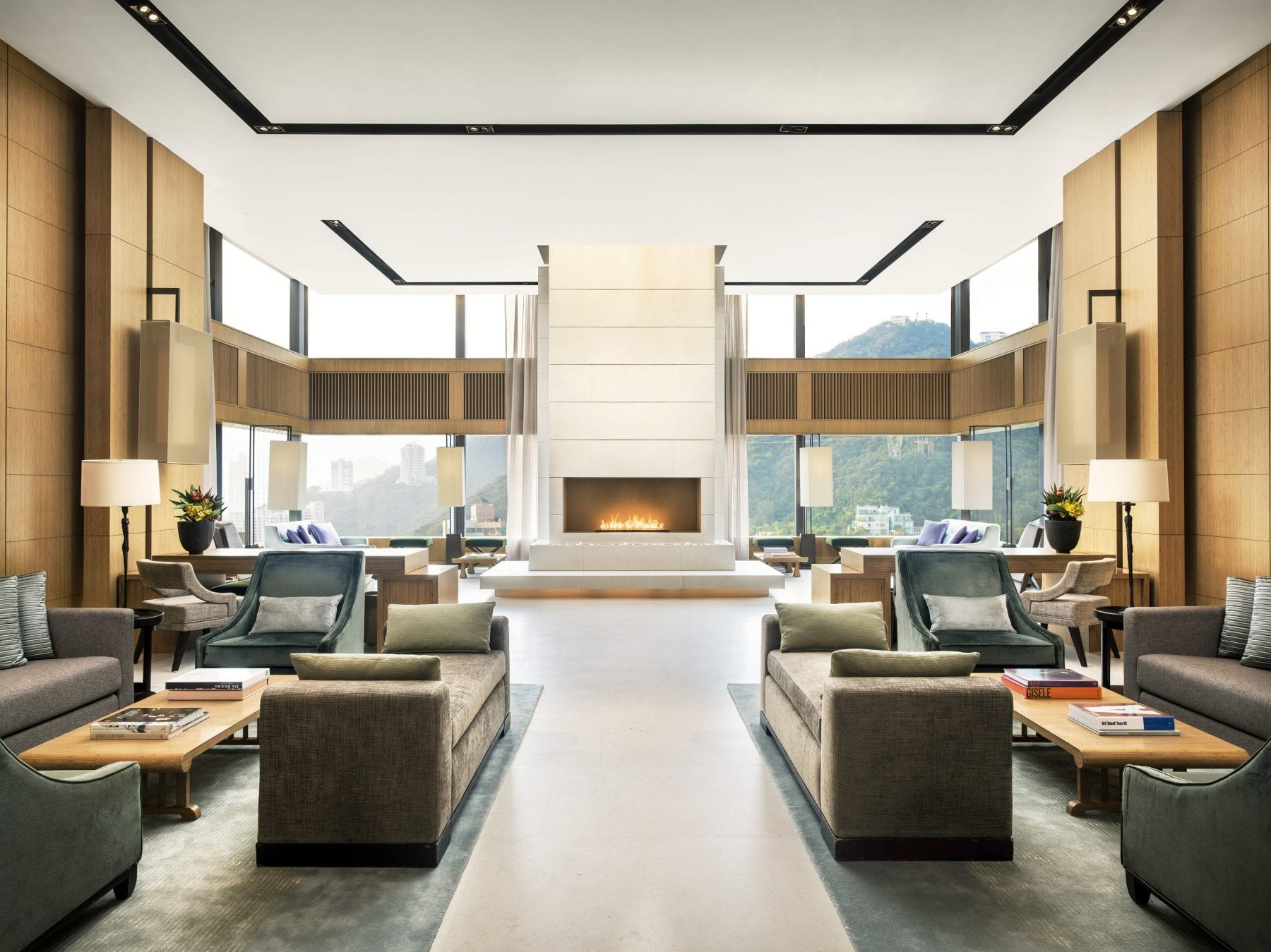 https://uluxeimages.uniqluxe.com/2020/11/The-Upper-House_Sky-Lounge-scaled.jpg