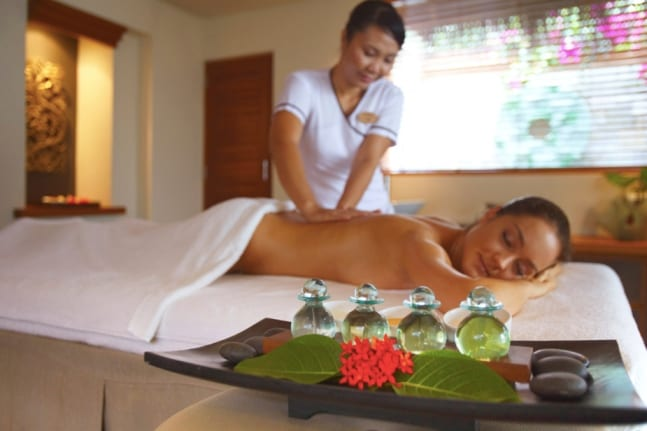 A massage to relieve your tensions for maximum relaxation at the Serenity Spa in Baros Maldives Island Resort